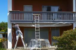 How long does it take to paint a house?